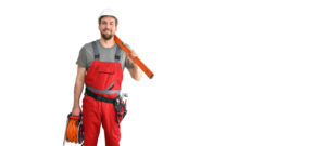 Arbeiter mit Kabeltrommel und Wasserwaage